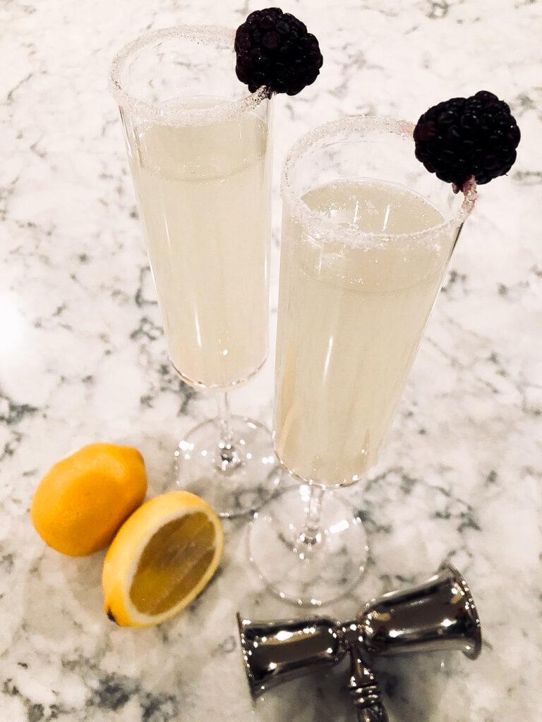 two tall glasses of Ginger-Lemon-Cocktail