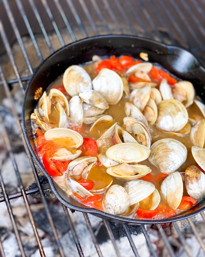 Clam Steamers with Shallot and Garlic in White Wine