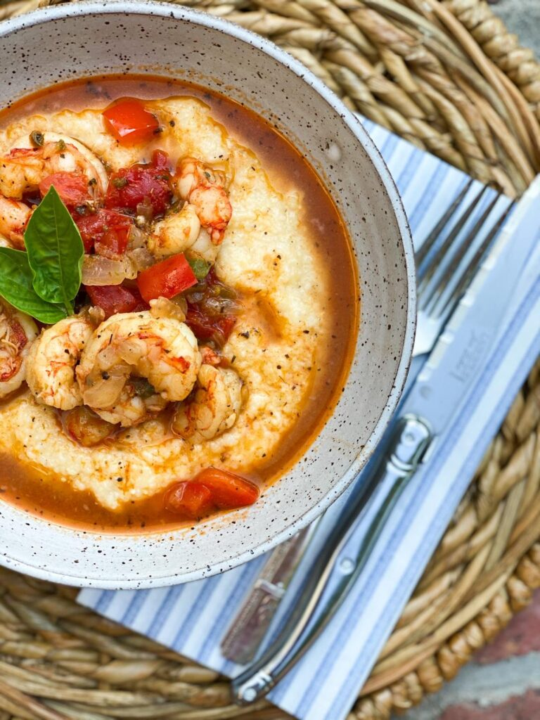 Sauteed shrimp with tomatoes, onions and