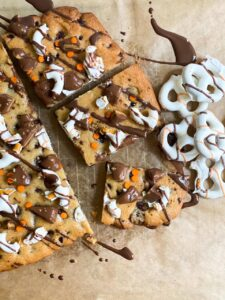chocolate-chip-cookie-pizza